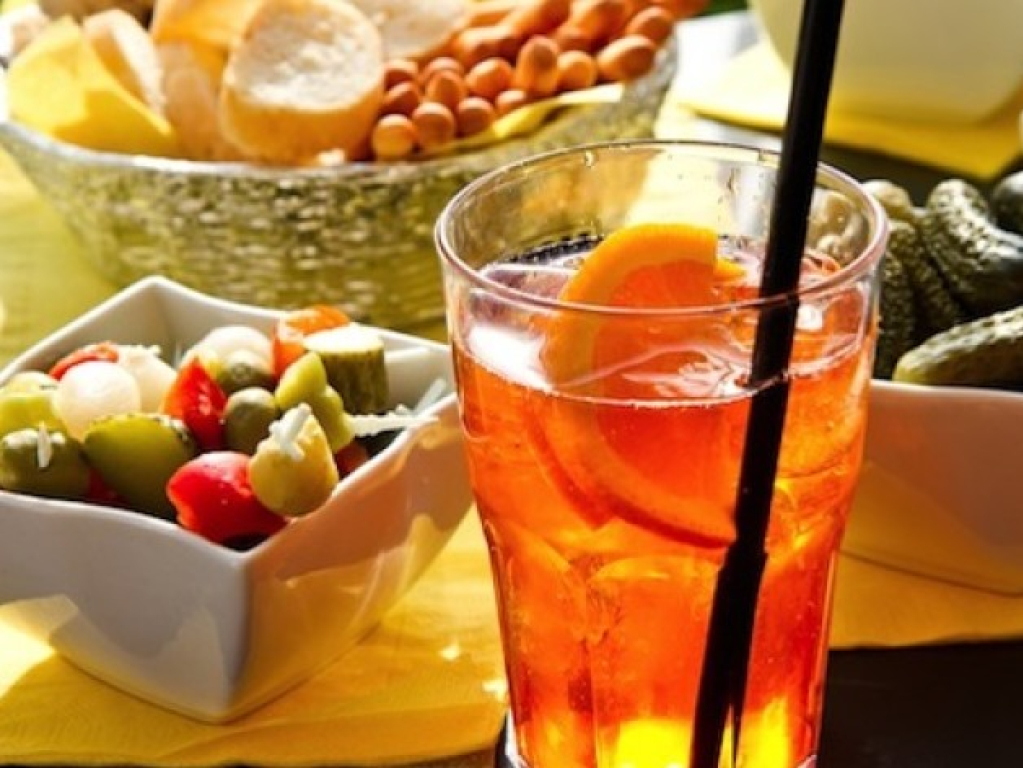 Cerez Cafè: Happy Hour rinforzato per 2 o 4 persone