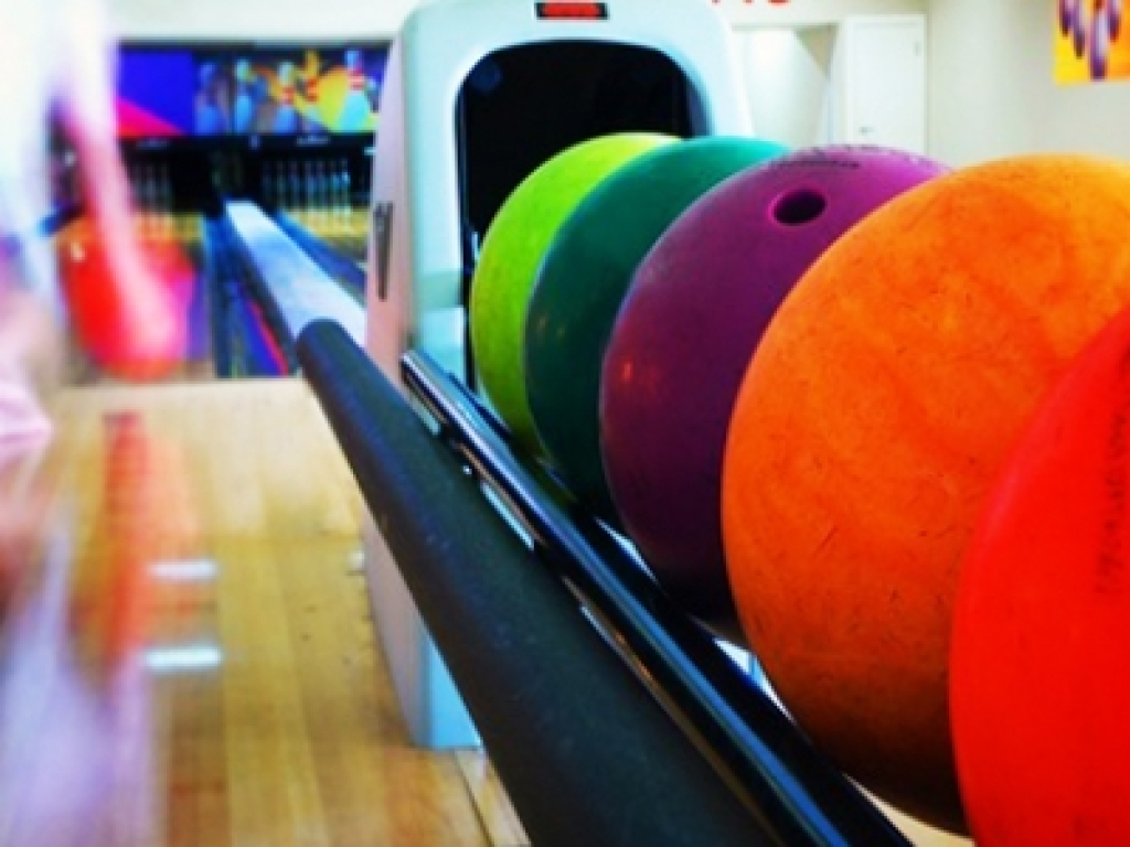 Bowling & Games 1