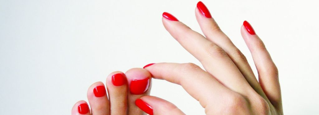 Passion For Nails: Manicure, Pedicure e Applicazione Semipermanente